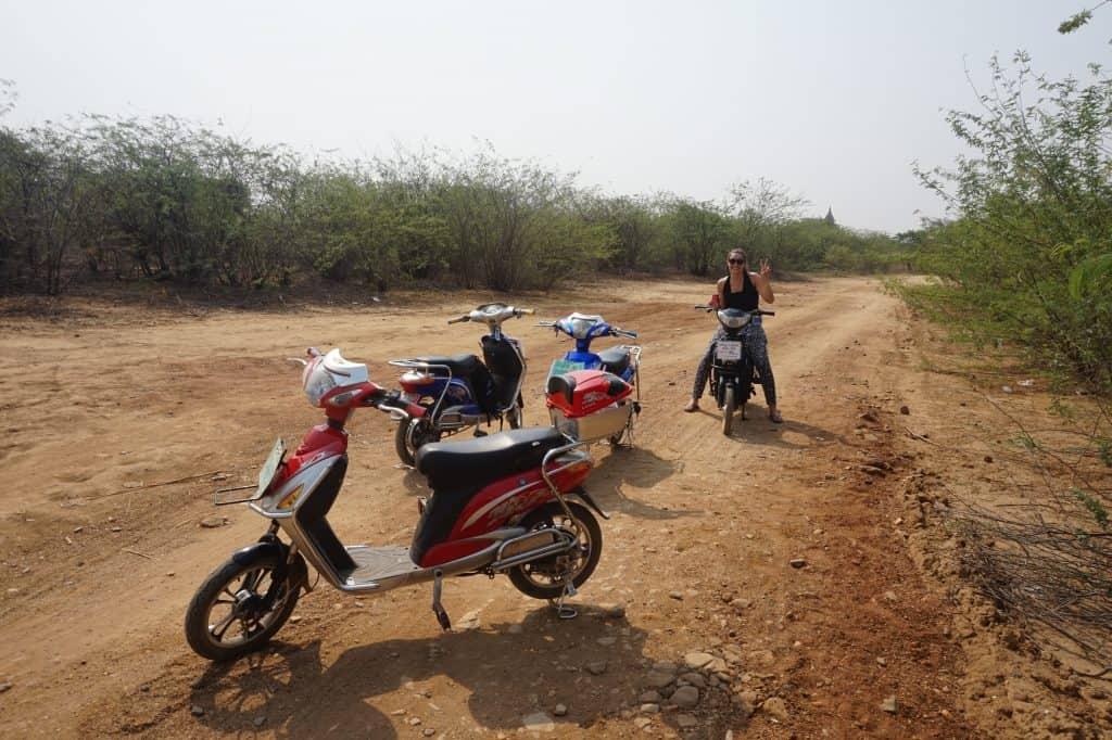 Elektrische scooter in Bagan
