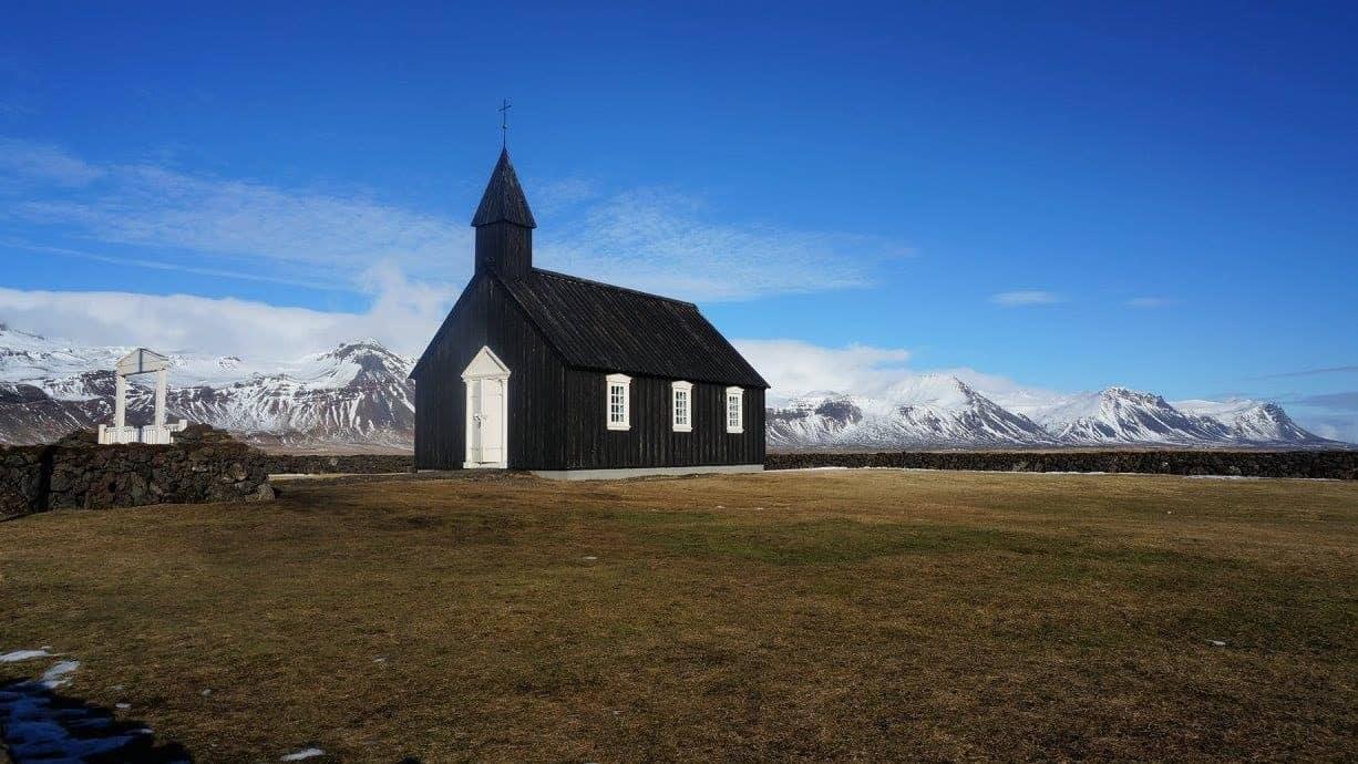 Zwarte kerk van Budir in IJsland